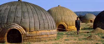 zulu_huts_south_africa